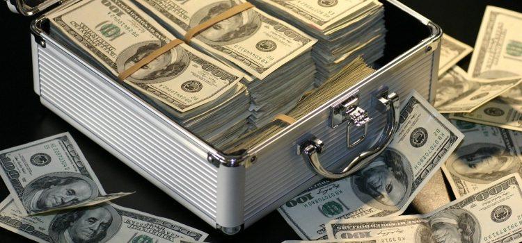 Vay tiền không trả bị tội gì