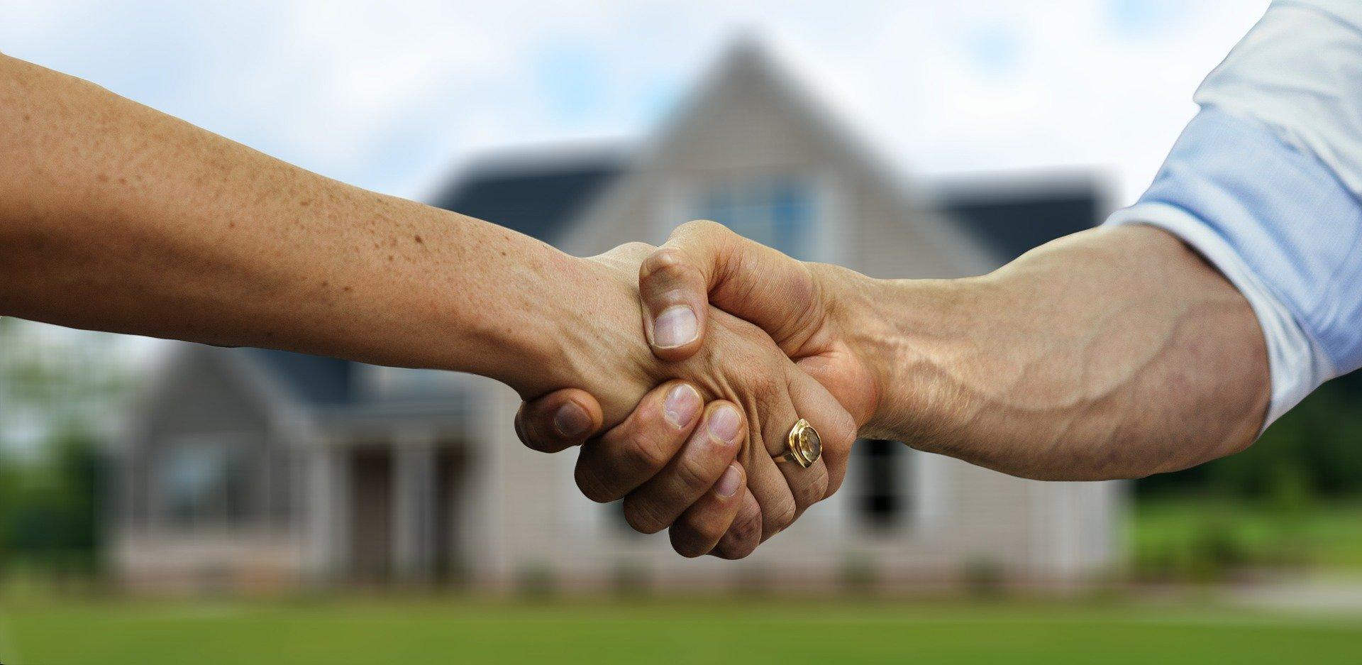 Hợp đồng cho thuê nhà có bắt buộc phải công chứng không?
