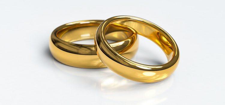 nhờ người khác nộp đơn ly hôn có được không