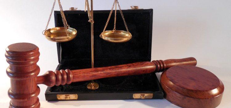 Thủ tục khởi kiện khi bị đuổi việc trái pháp luật