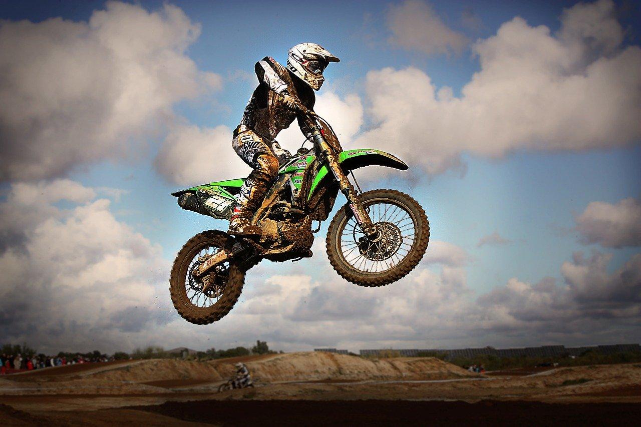 motocross 2549359 1280 - Thay đổi kết cấu xe sẽ bị phạt như thế nào?
